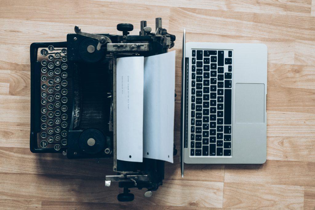 glenn-carstens-peters- typewriter